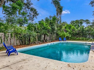 Spacious 2 story pool home! Perfect for entertaining and pets welcome
