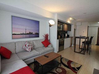 Spacious Condo w/ ☆100 WALKSCORE☆ 2BD + Parking