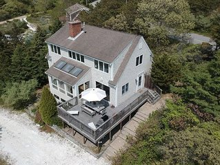 Modern, bright, upscale beach home in Great Hollow