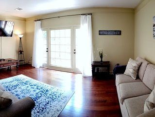 ***Entire Townhouse Near EVERYTHING Montgomery***