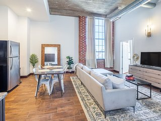 Sosuite | Breathtaking 2BR Penthouse w. Discounted Parking