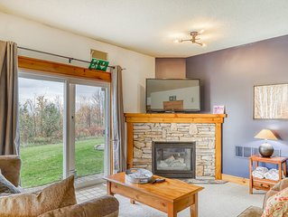 Quaint and spacious getaway w/shared swimming pool & private gas grill