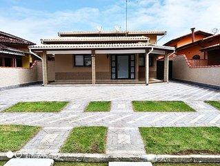 Linda Casa Condomínio Morada da Praia  com piscina e churrasqueira