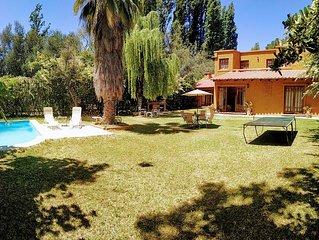 Casa en Chacras de Coria, Mendoza, Argentina, Amplia, con Jardin y Piscina