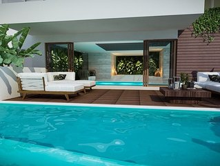 Luxury Villa With Indoor Pool and Outdoor Infinity Pool With Spectacular Views