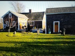 Potters Pond Cottage, walk to East Matunuck, Oyster bar, close to URI