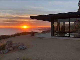 Malibu Mid-Century Modern Luxury retreat home