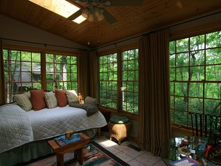 Heavenly Tree House - Hot Tub - 5 minutes to S. Asheville!