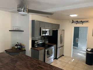 Great location for beaches, nightlife, or hitting the Pinellas Trail