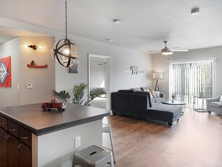Modern Suite Just Outside Downtown Fayetteville