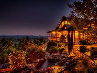 Waterfall Lodge- Pet Friendly | Outdoor Ambiance | Beautiful Luxury Home