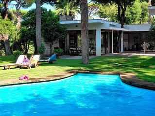 Villa di lusso con piscina privata immersa nella pineta secolare di fregene