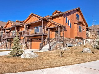 NEW LISTING! Mountain view townhouse w/ large deck - easy drive to Park City!