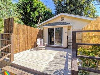 Hillside Bungalow House near UCLA edge of Bel Air + Parking