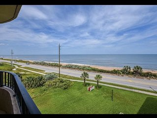 Ocean front condo with  magnificent view ,3D floor condo with lot of amenities
