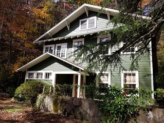 New Listing - The Bend at Lake Rabun-Classic Lakemont Charm