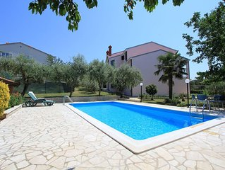 Appartement mit grossem Pool und Klima, WLAN, Waschmaschine und Grill