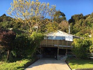 Quiet retreat near beach, bush walks and cafes