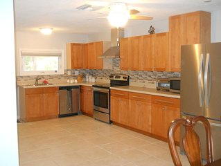 Newly Remodeled-Spacious-Quiet and Relaxing Pine Island Retreat