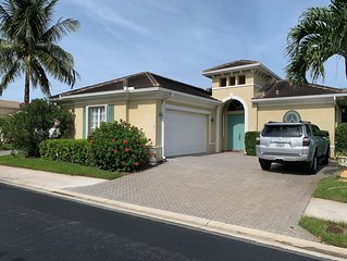 3 Bedroom/3 Bath Golf in Backyard and Beach, Pool, Tennis and more steps Away