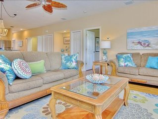 Fabulous, Updated Condo. Lush Views and Abundant Amenities right by the beach!!