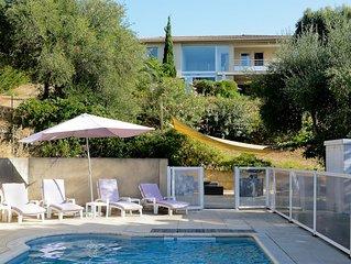Belle maison d'architecte ideale pour familles vue mer avec piscine