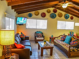 Great LOCATION Downtown Rosarito, 1mile from BIKE ROAD START& Papas, WI-FI FREE,