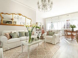 VILLA OLIVIA: a New Luxury Villa with Garden in Lucca Town Centre with PARKING
