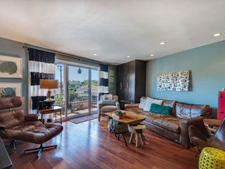 Fabulous Santa Monica Condo/walk to beach and much more/available march 1 onward