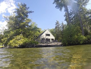 Mark Island Oasis on Lake Winnipesaukee - BOAT REQUIRED