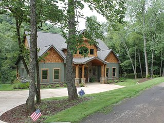 Toccoa River Dreams - Direct Riverfront Home - Very Private