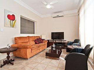 Casa aconchegante, ótima localização, próxima ao Shopping Iguatemi
