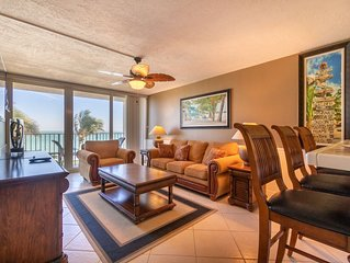 Beach Condo/ Onsite Restaurant/ WIFI/ Sleeps 4