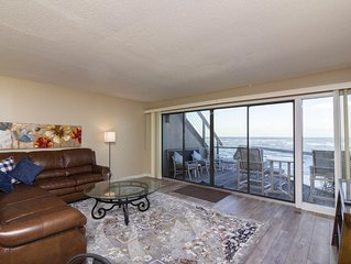 Beautiful 2/2 Oceanfront Condo - Excellent Views with a Great Price!!!