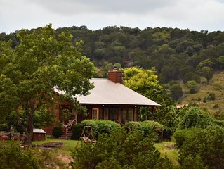 RANCH RETREAT! PRIVATE-GET AWAY FROM IT ALL, Hiking, Wineries, & Romantic