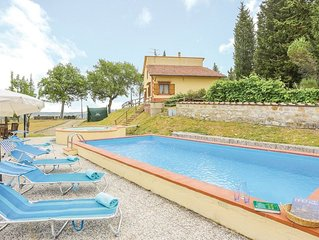 Villa for 8 with private pool 30minutes to Florence, Siena, S Gimignano