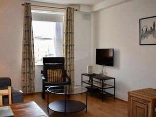 Bright 1 Bedroom Apartment in City Centre