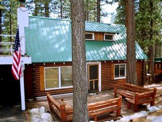 Charming Log Cabin | HOT TUB | Sauna | Walk to Beach | Pet Friendly | Ski