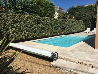 Villa de charme avec piscine et jardin arboré, proche centre ville et des plages