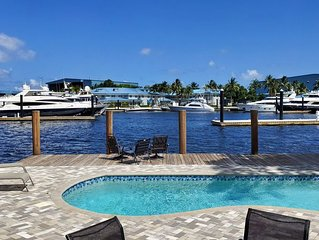 Heated Pool! Hot Tub! Amazing View! Waterfront - New River!