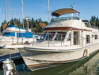 Classic 45' Yacht on Historic Quartermaster Harbor