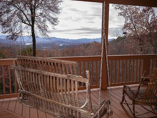 Road to Emmaus Winter SPECIAL! $129 per night Vacation Rental in Hayesville