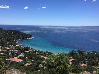 Rayol Villa  avec piscine et belle vue mer sur l'ile du levant