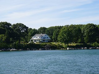 Spectacular Waterfront Home, Haversham, Weekapaug Beaches
