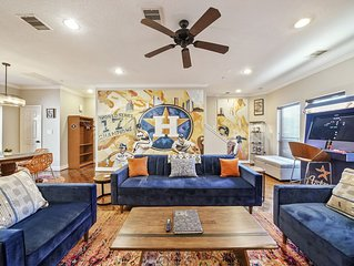 Luxury 3 story Condo in Downtown Houston