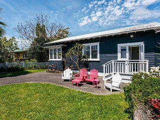 Mrs Jones Holiday Cottage - Oneroa Holiday Home