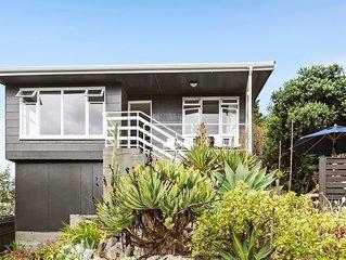 Seaside House - Waikanae Beach Bach