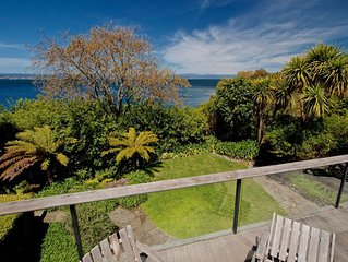 Kauawhi Lodge - Acacia Bay Holiday Home
