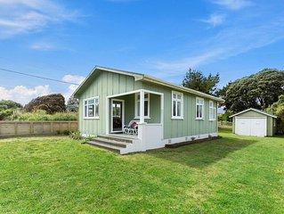 The Beach House - Kapiti Coast Holiday Home