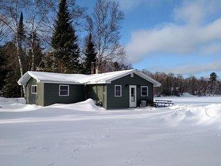 White Pine Cabin: Solberg Lake Retreat